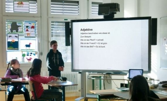 Sprachabschneider_Klassenraum_570-021139-edited